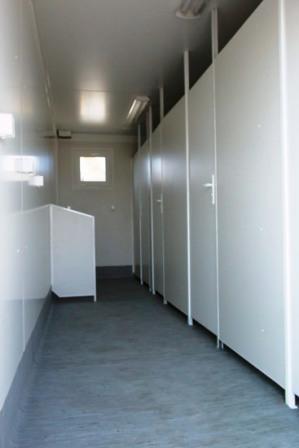 pereti_si_compartimentare_cu_panouri_sandwich_termoizolante_ptm_intr_o_toaleta_publicapvc sandvich panel